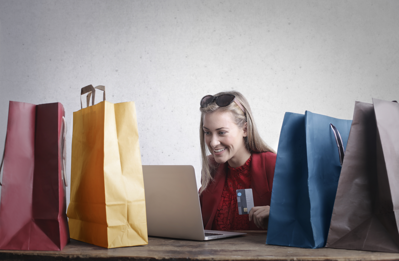 ecommerce-facebook-instagram-socialmedia-shopping-trends-2020